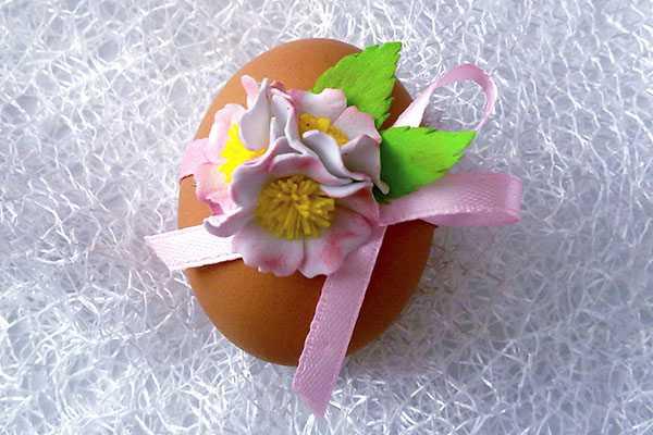 Декор пасхального яичка цветами