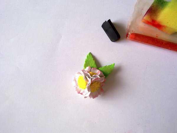 Декорирование пасхального яйца: шаг 9