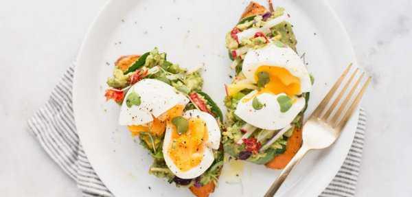 Блюдо с яйцами